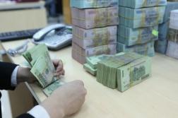 Lãi suất VND liên ngân hàng giảm mạnh ba tuần liên tiếp